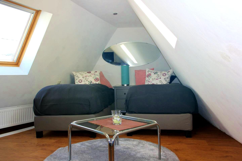 Ferienhaus Haus Sayn - Schlafzimmer unterm Dach