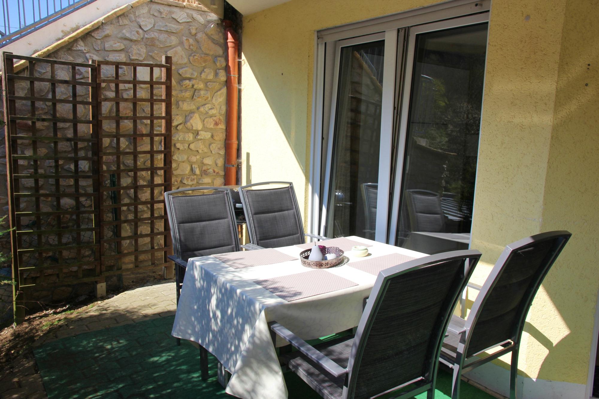 Ferienwohnung Sayn - Terrasse